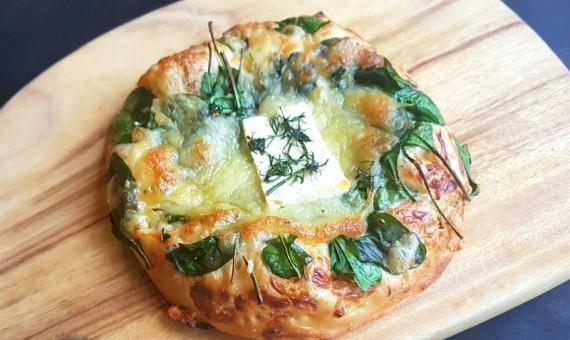 Pizzetta – Wilted Spinach & Feta