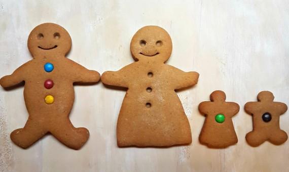 Spelt Gingerbread Family